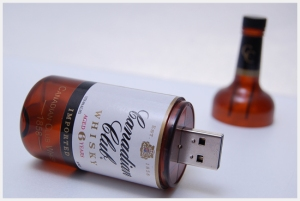 another custom usb, picture courtesy of Molotalk.com